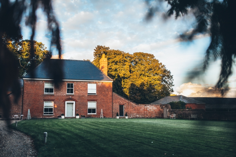 Fishley-Hall-Norfolk-Yoga-Retreat-Photography-Photographer-Darina-Stoda-Devon-20 (1)